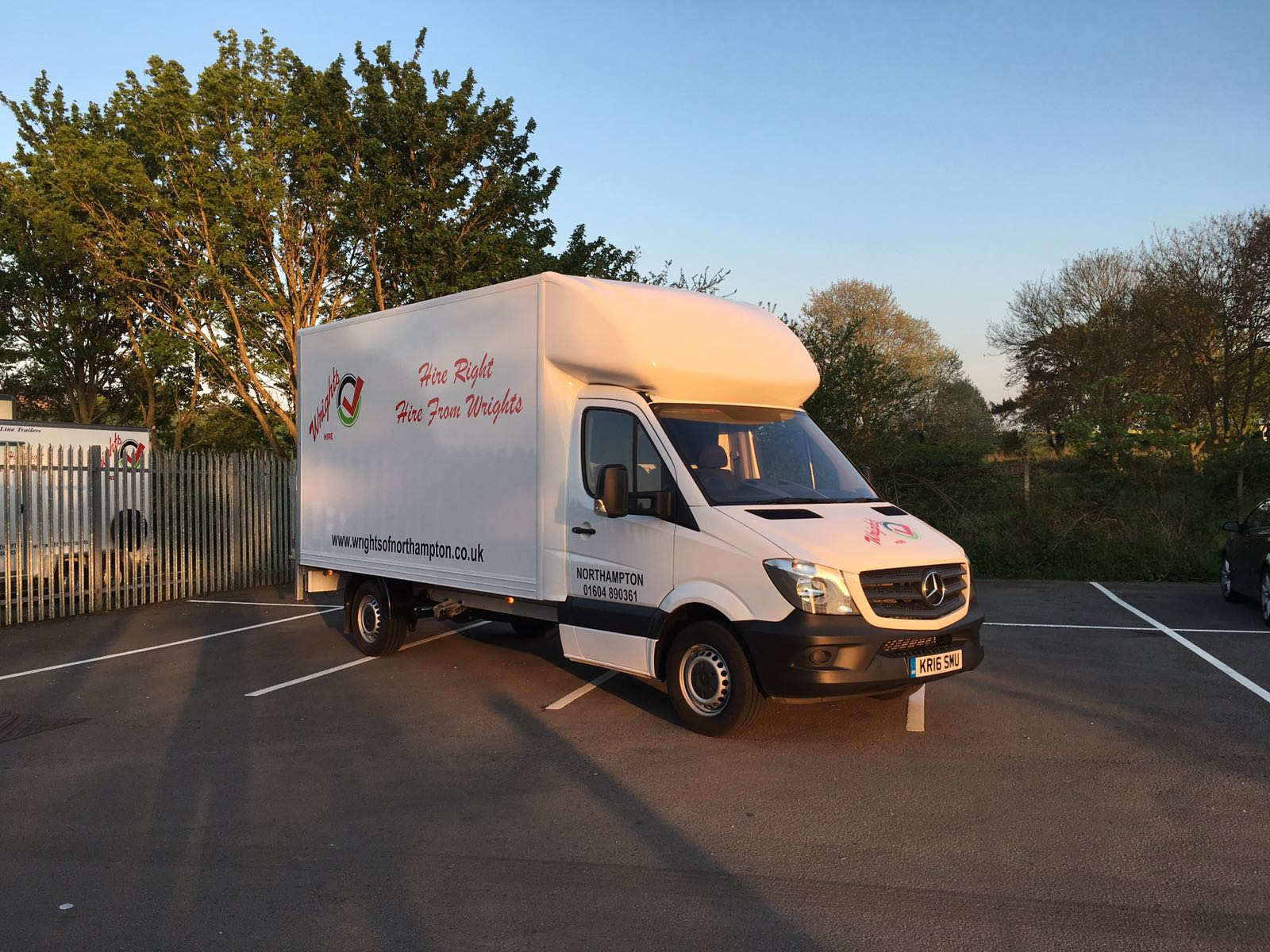 20cbf89a00ff4a Luton (Large) Van for hire